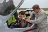 Главное - хорошо закрепить пассажира перед полетом