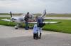 Папа примеряется к самолету