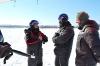 Инструктор Андрей Кареткин проводит разбор полетов
